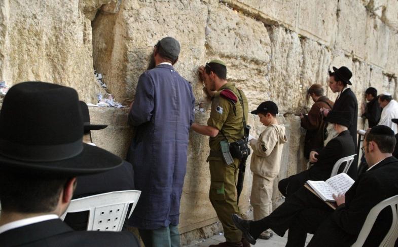 Incredibile! Per l'Unesco il Muro del pianto non è un luogo legato all'ebraismo, l'Italia si astiene dal voto