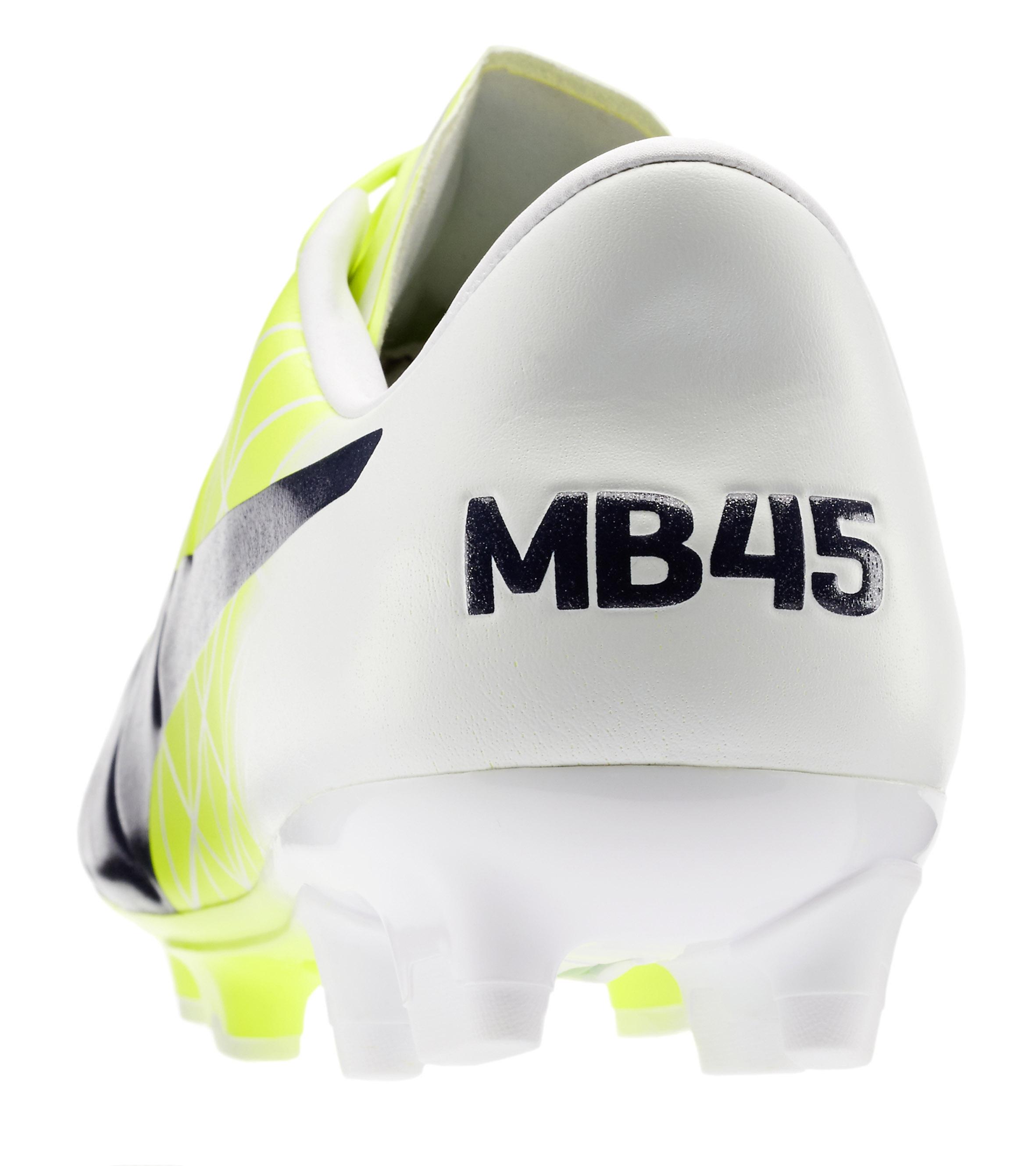 Puma evoACCURACY: presentata la nuova scarpa di Mario Balotelli