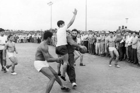 Per la NBA storica visita a Cuba