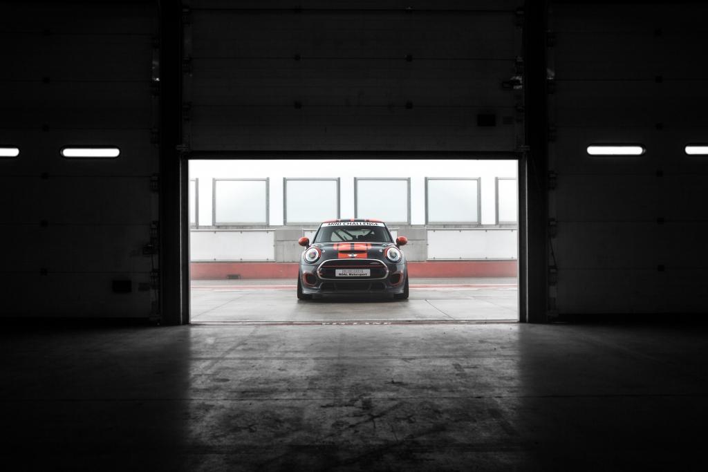 mini-torna-in-pista-mini-italia-annuncia-ufficialmente-il-suo-ritorno-in-pista-con-il-mini-challenge-2016-p90206953-highres