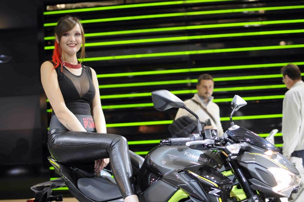 02 eicma 2016 donald trump rho fiera milano moto for Rho fiera milano 2016